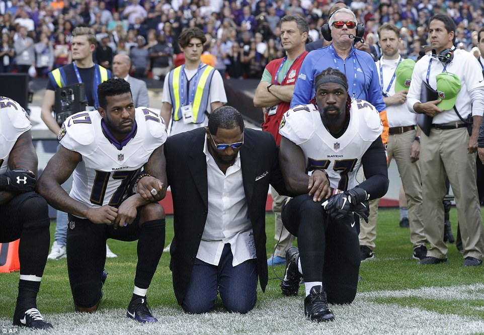 Ray Lewis 2 knee salute